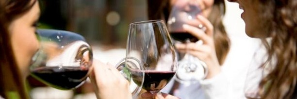 cropped-party_wine_women_istock-2